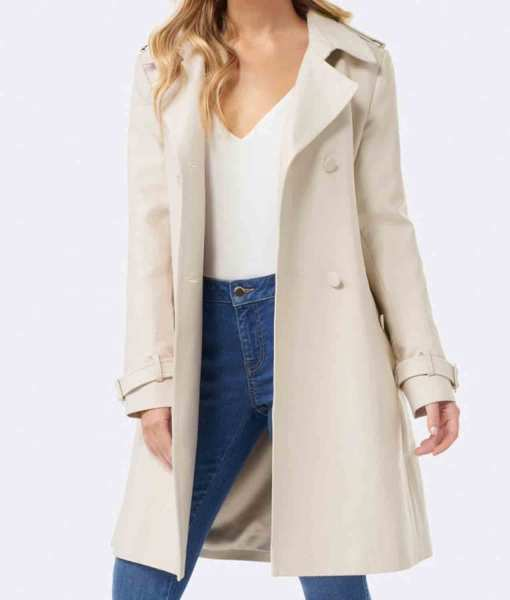riverdale-betty-cooper-trench-coat