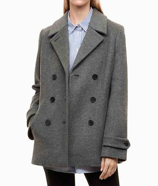 riverdale-season-2-episode-10-betty-cooper-coat