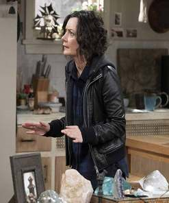 sara-gilbert-the-conners-darlene-conner-jacket