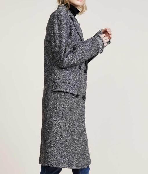russian-doll-natasha-lyonne-coat
