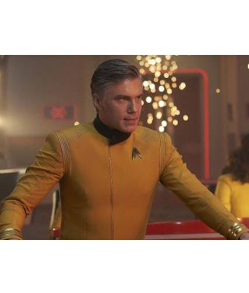 star-trek-discovery-christopher-pike-yellow-jacket