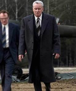 stellan-skarsgard-chernobyl-trench-coat