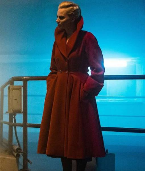 margot-robbie-terminal-red-coat