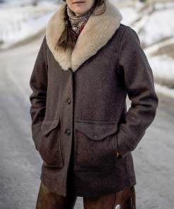 yellowstone-beth-dutton-coat
