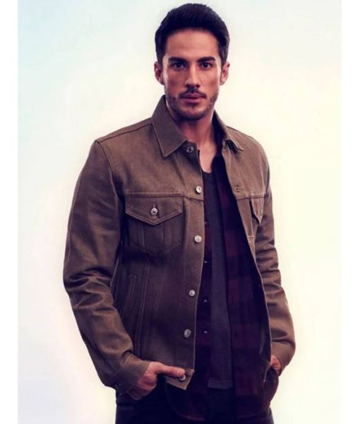 roswell-new-mexico-kyle-valenti-jacket