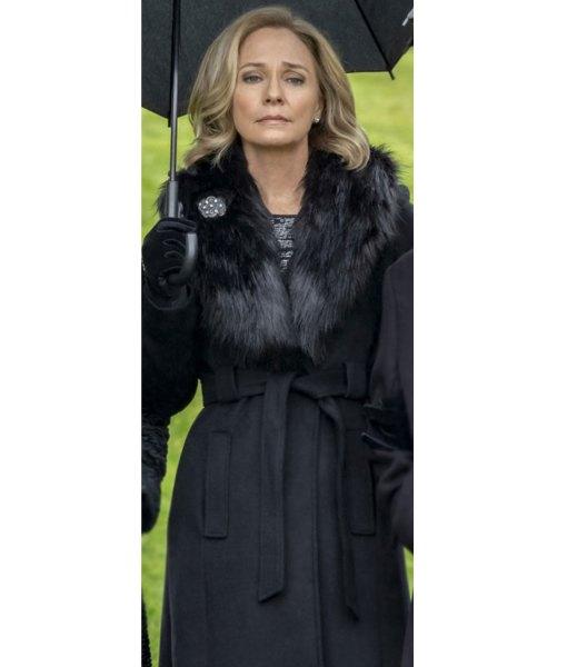 moira-queen-coat