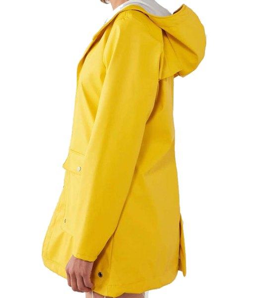 jane-levy-zoeys-extraordinary-playlist-zoey-clarke-raincoat