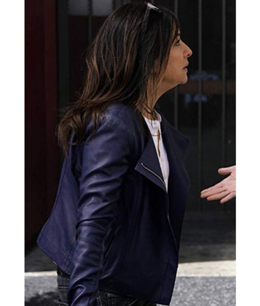 pamela-adlon-better-things-sam-fox-blue-jacket