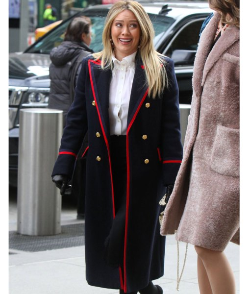younger-season-07-hilary-duff-navy-blue-coat