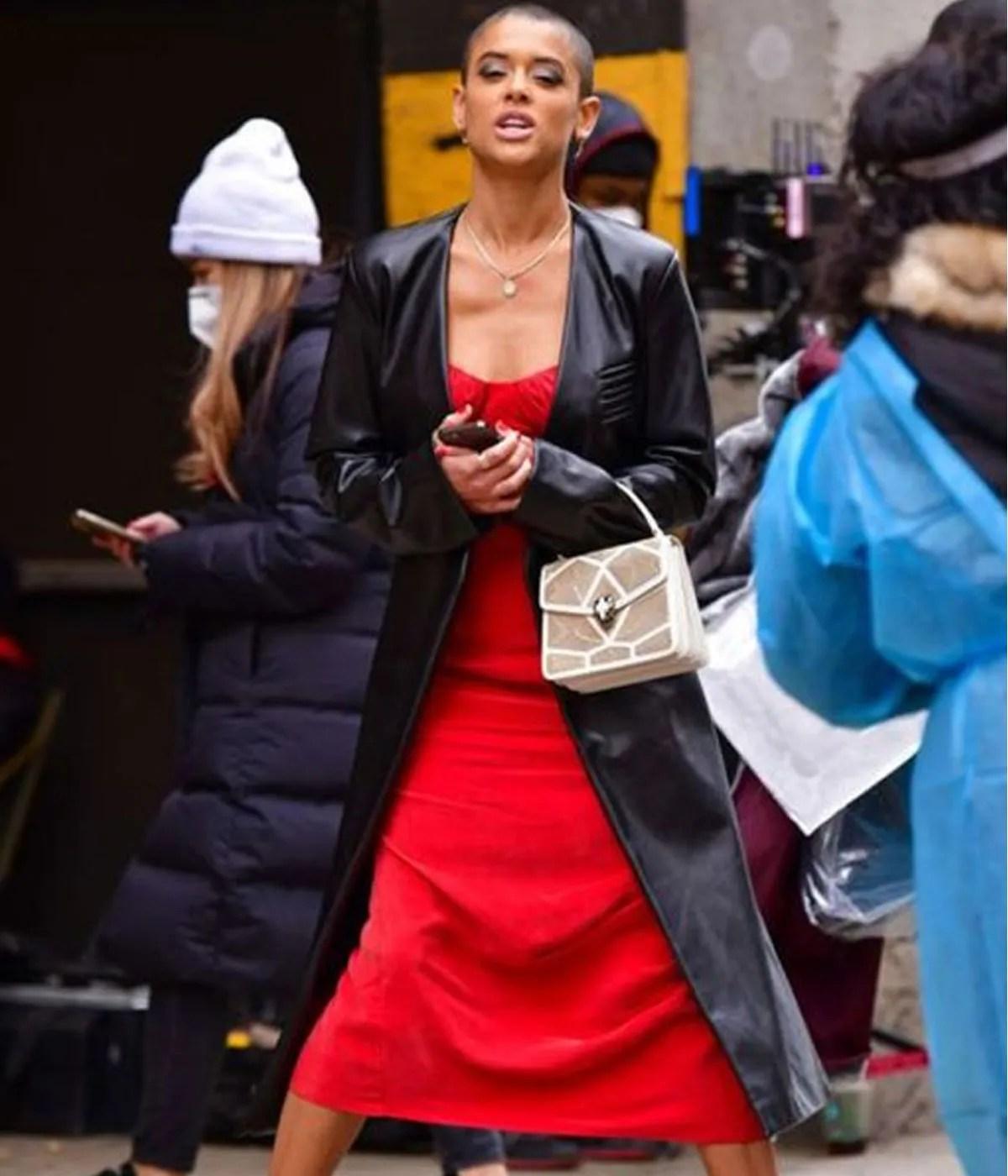 julien-calloway-gossip-girl-coat