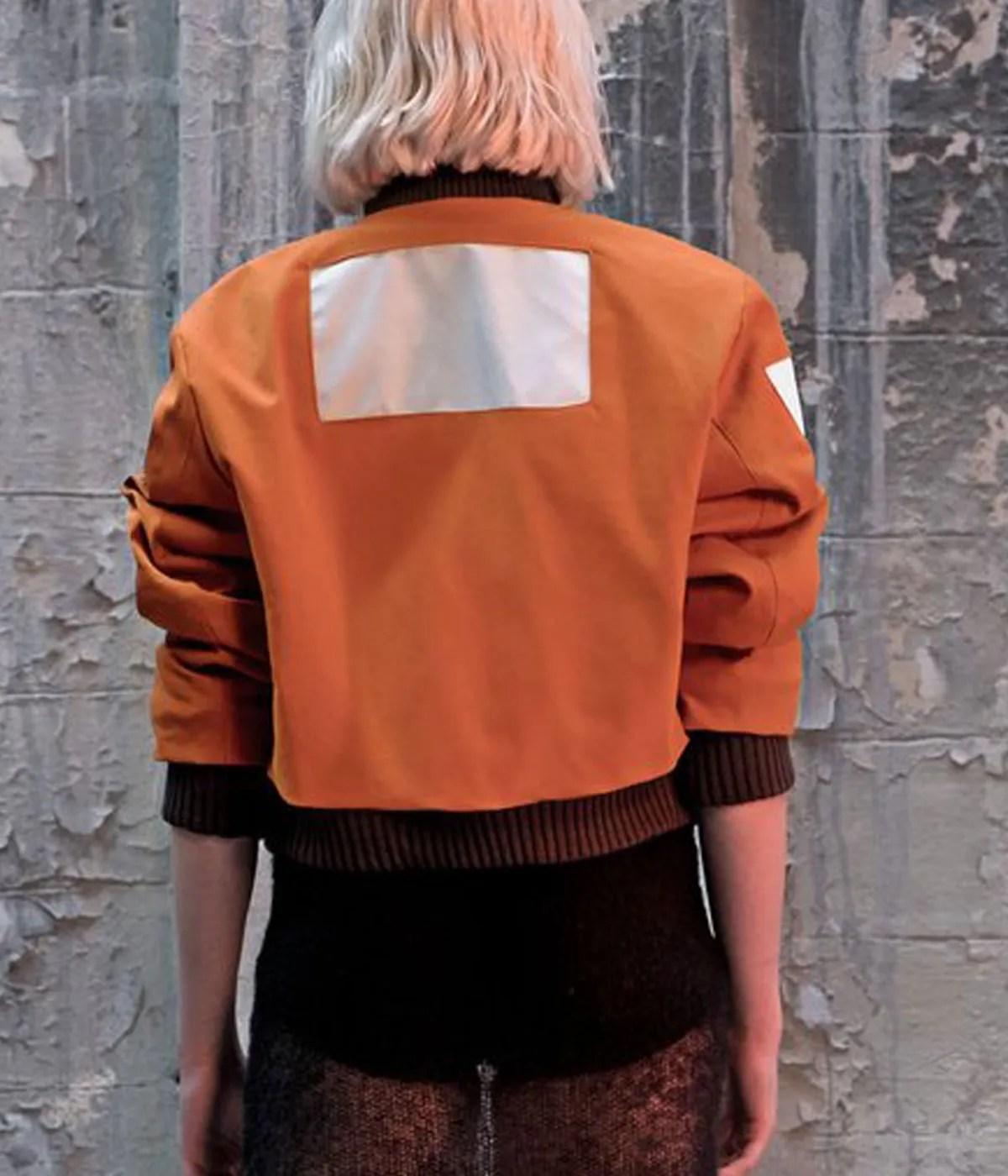 pilot-aerostatic-orange-jacket
