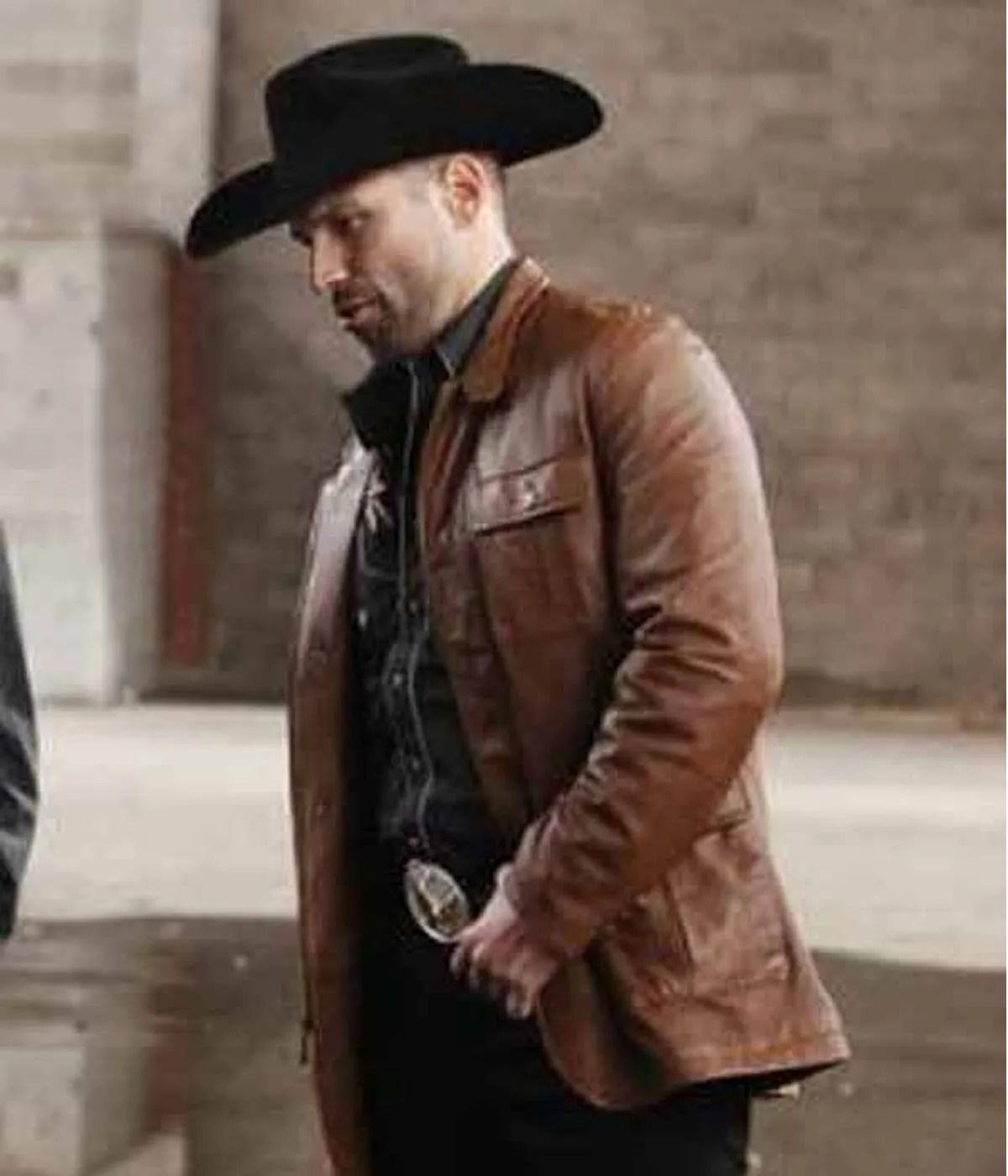 queen-of-the-south-rafael-amaya-leather-jacket