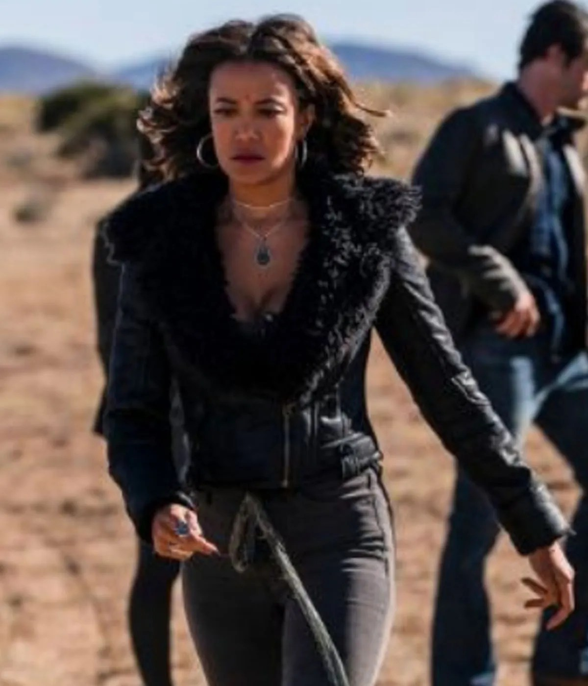 roswell-new-heather-hemmens-leather-jacket