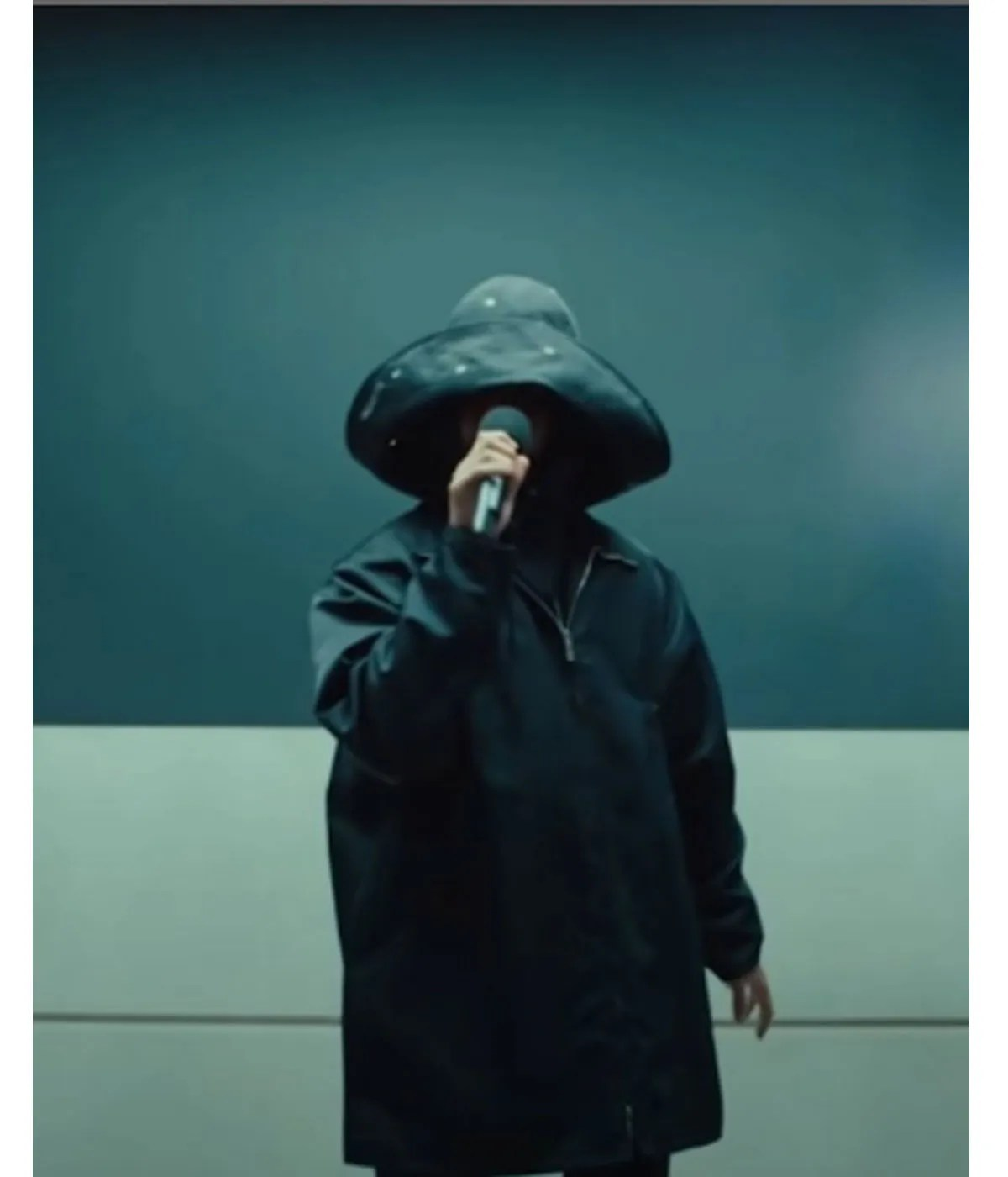 brit-awards-2021-the-weeknd-save-your-tears-coat