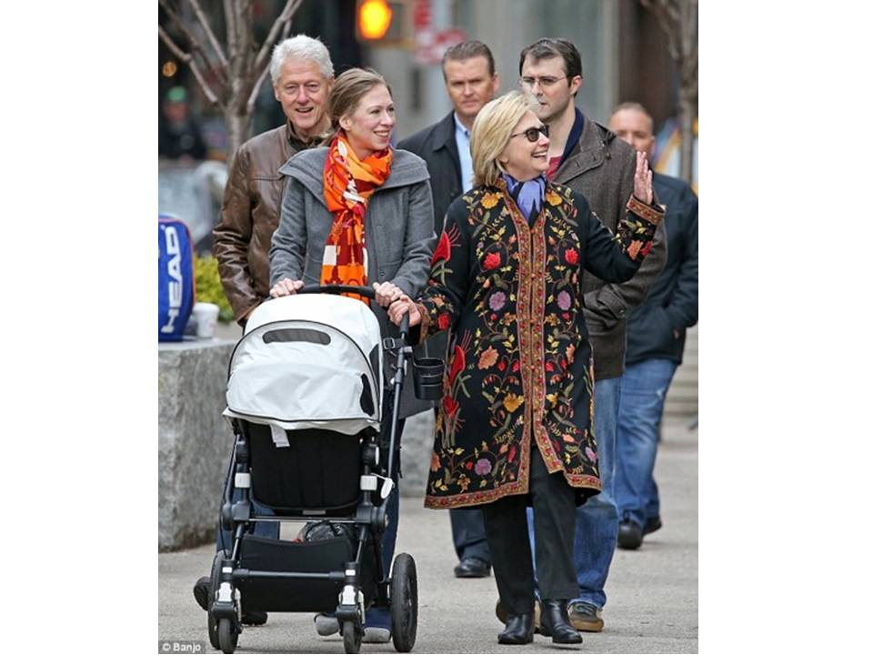 Hillary with Chelsea and baby