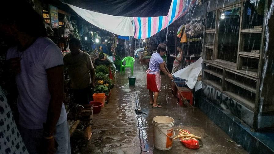 Belen market in the rain
