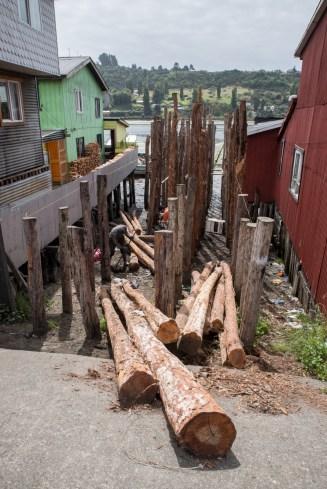 constructing a pole house