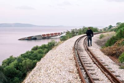 Train Tracks to the Ship Wreck