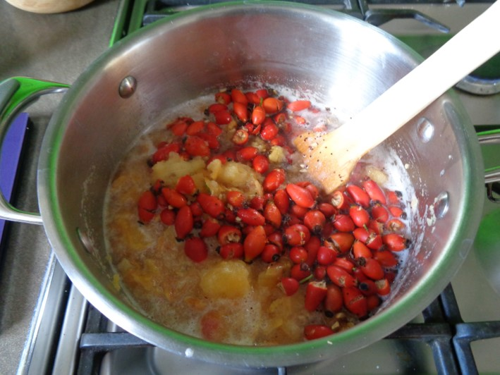 rosehip and crab apple jelly | foraging | Kent