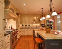 Classic Traditional Kitchen Cabinets