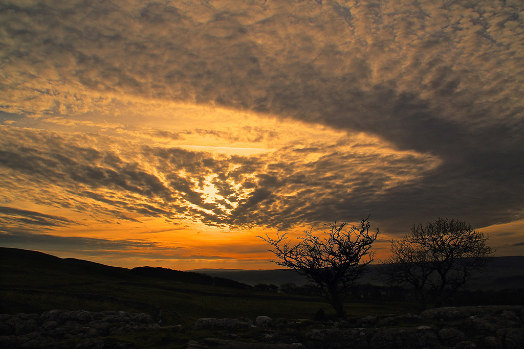 Sunset & clouds, from Winskill, Ribblesdale