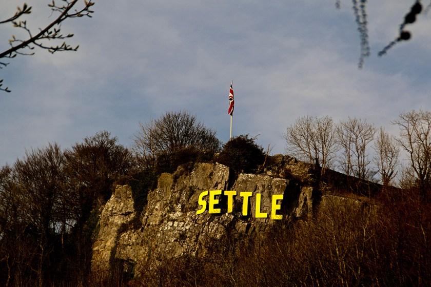 Dales - settle sign