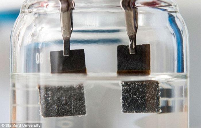 combustível a partir de água - foto
