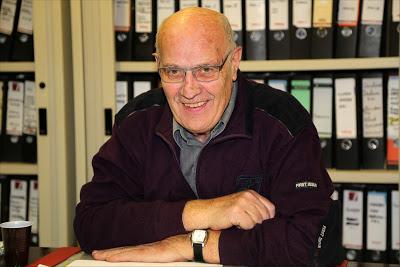 Ben Litjens stelt vragen en neemt deel aan Commissievergadering Inwoners en Bestuur.