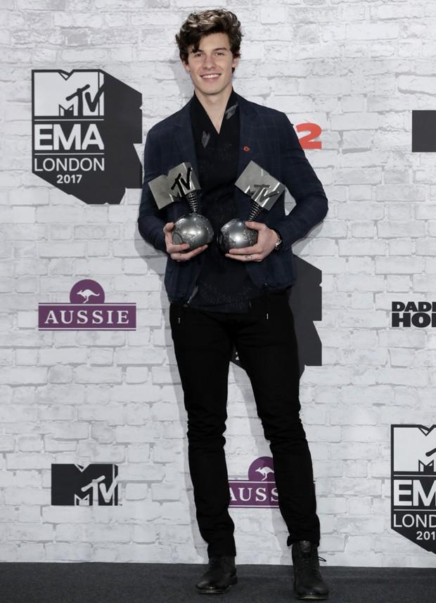 OS MELHORES LOOKS DO MTV EMA 2017