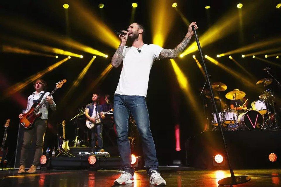 Maroon 5 é oficialmente confirmado como atração do intervalo do Super Bowl!