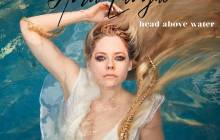 """Avril Lavigne lança primeiro trabalho em cinco anos! Assista """"Head Above Water"""""""