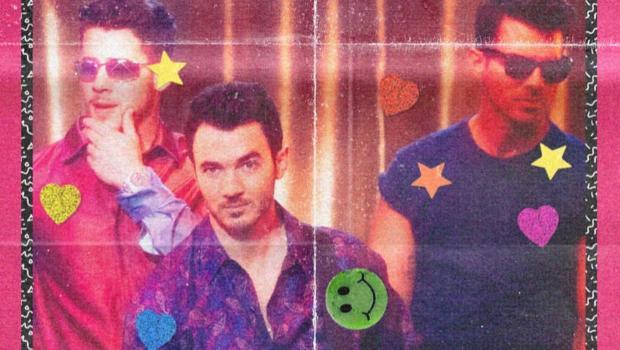 Jonas Brothers lançam clipe com vibe anos 80 para single, Only Human!