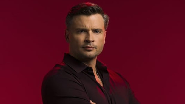Smallville: Tom Welling volta ao papel de Superman em crossover da DC