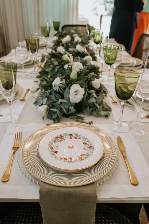 casamento-civil-jade-seba-e-bruno-guedes-miniwedding-verde-e-branco-foto-dois-ramos12