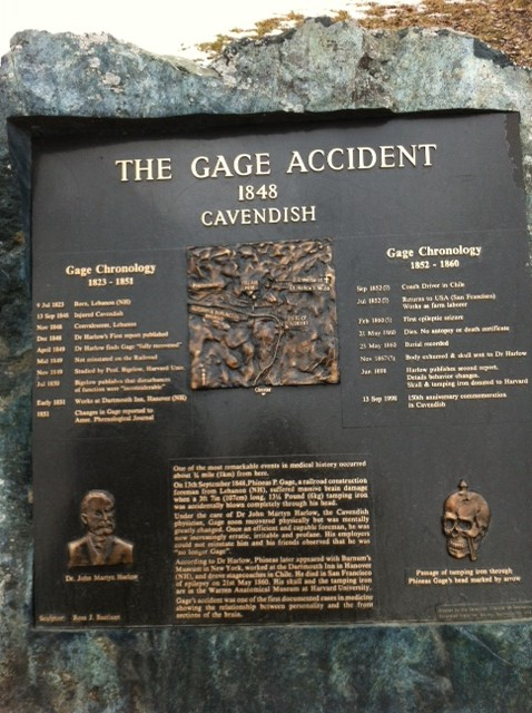 Phineas Gage monument skull