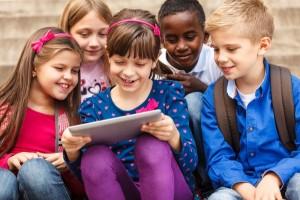 Uso de tablets por escolares