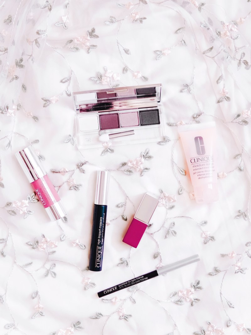 Beauty Gifts & A Classic Holiday Makeup Routine Feat Belk