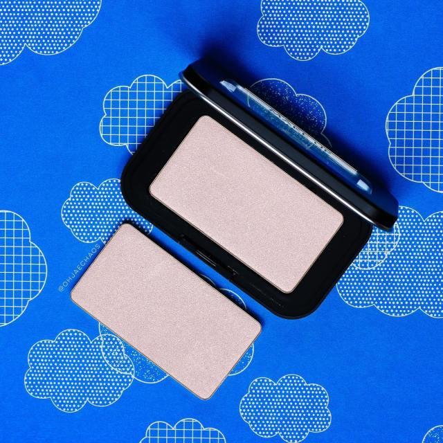 Heavenly Highlighter! makeupforeverofficial  makeupforeverus ArtistFaceColor Highlighter in H102 Shimmeryhellip