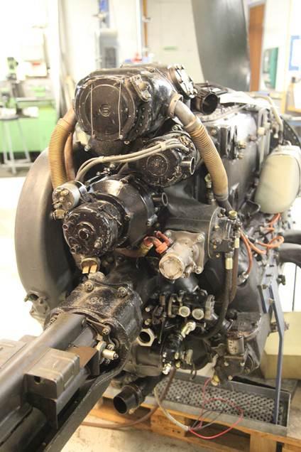 Vi har sett mange bilder av motoren fra fronten og fra siden, her er et sett bakfra, nederst til venstre er maskinkanonen montert.