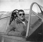 Sverre Gran i en Harvard under den elementære flygerutdannelsen på RCAF Station Penhold i 1956. Foto via Sverre Gran