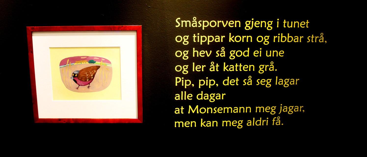 Småsporven er kanskje den mest kjende songen frå Haugtussa - og diktet er utgangspunktet for utstillinga.