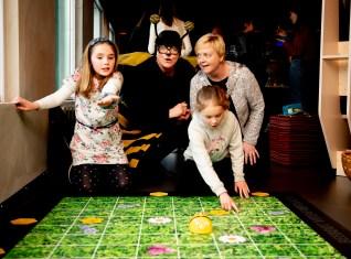 Beebots er en god inngang til programmering for barn i barnehagealder og tidlig skolega. Foto: Jan Inge Haga / Jærmuseet
