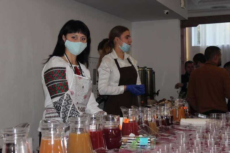 Народна дегустація соків прямого віджиму: у тренді – натуральна продукція