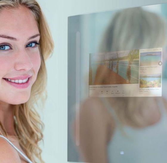 Teknologi Google Assistant Dapat Anda Nikmati di Cermin Kamar Mandi