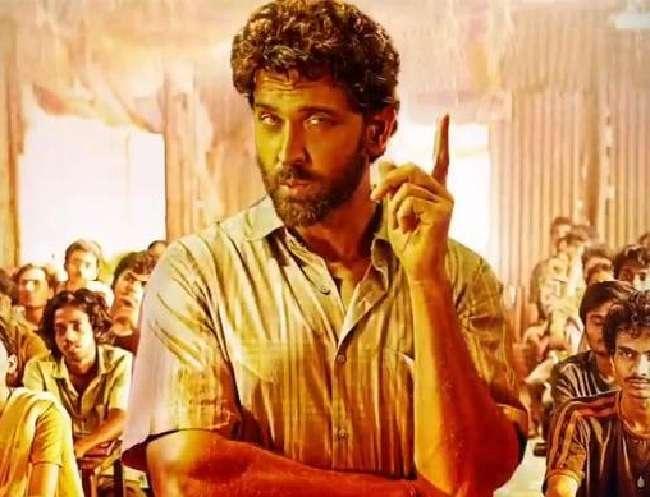 ऑनलाइन लीक हुई Hrithik Roshan की फिल्म Super 30, कमाई पर पड़ेगा असर?