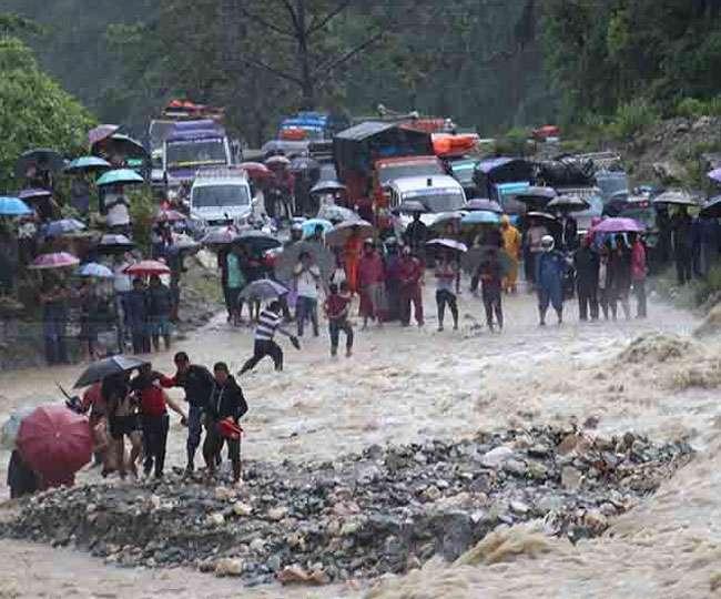 पड़ोसी देश नेपाल में बाढ़ से भीषण तबाही का मंजर, हालात बेकाबू, 65 तक पहुंचा मौत का आंकड़ा