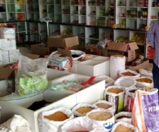 LockDown: संकट के दौर में मानवता शर्मसार, मनमर्जी दाम वसूल कर लूट रहे दुकानदार