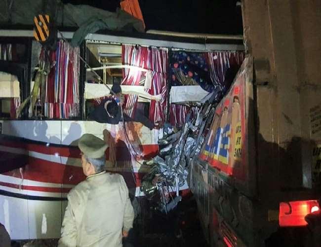Image result for फिरोजाबाद बस दुर्घटना