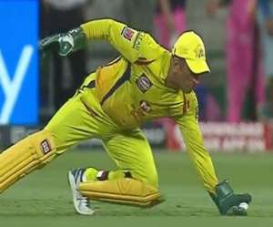 IPL 2021 MS Dhoni became the first wicket keeper in the IPL.  He took 150 victims