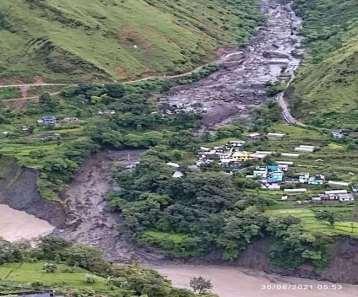 Cloudburst In Uttarakhand : उत्तराखंड में बादल फटने से तबाही, पांच लोग लापता, महिला घायल, कई मकान जमींदोज